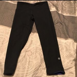 Lululemon reversible blue/black cropped leggings